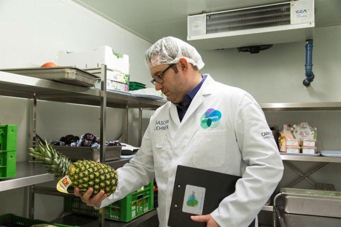 EIn Bild vom Sascha Lehner, Hygieneexperte bei der Lebensmittelkontrolle